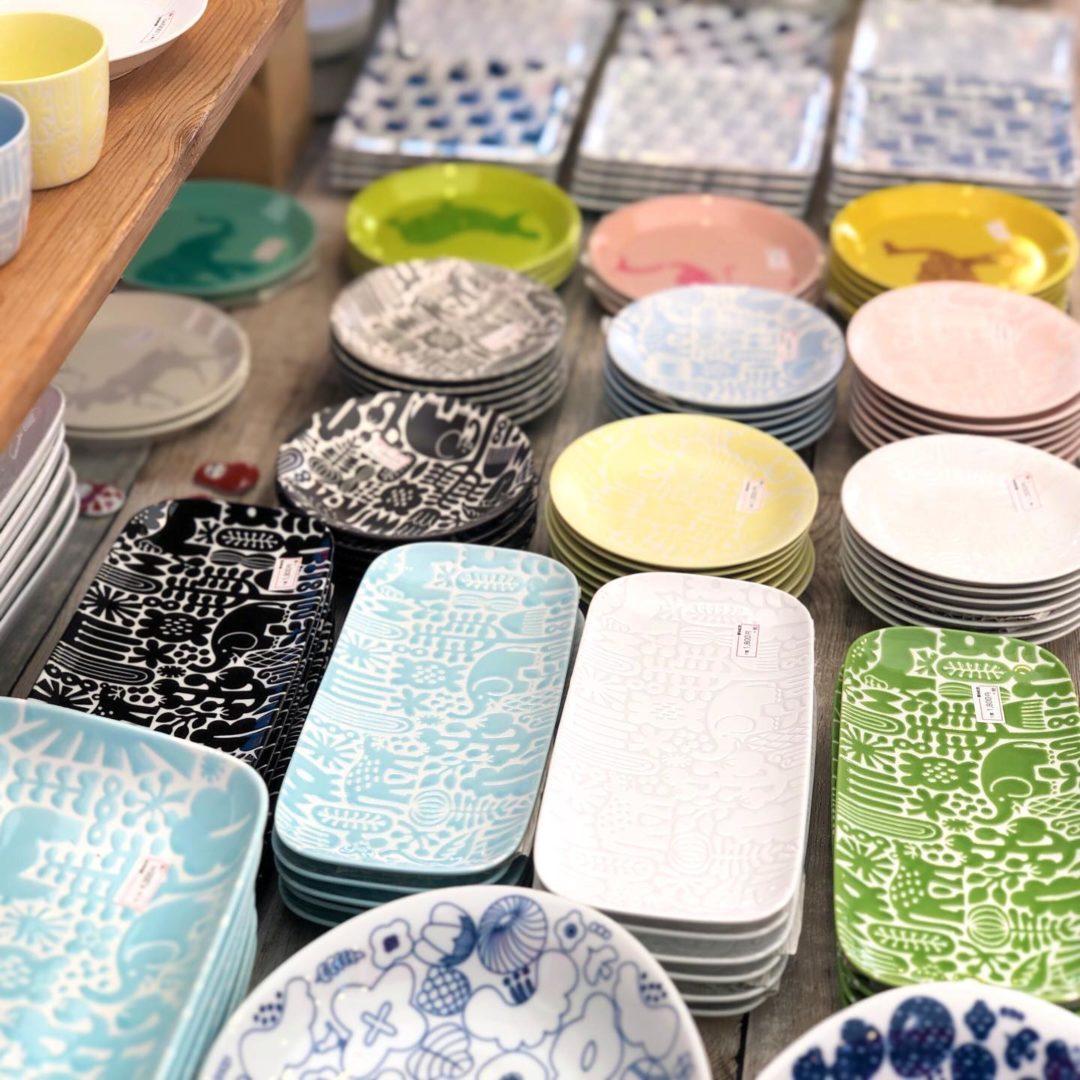 福島県いわき市に来ております。毎年恒例の『いわき市21世紀の森公園』での全国大陶器市が始まりました。当店は昨年別の仕事が入ってしまって出店出来なかったので、2年ぶりの出店となります。会期は6/27(土)から7/5(日)まで、am10時からpm17時までの営業です。最終日は片付けながら16時に終了となってしまいますので、7/4日までのご来店がおすすめです。是非お早めにご来店下さいませ!なお、会場でのコロナ対策は全てのお客様に使い捨て手袋をお配りするなど、徹底しておりますので何卒ご理解ご協力をお願い致します。 (Instagram)